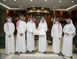 Rector Receives the Annual Report of Dentistry College